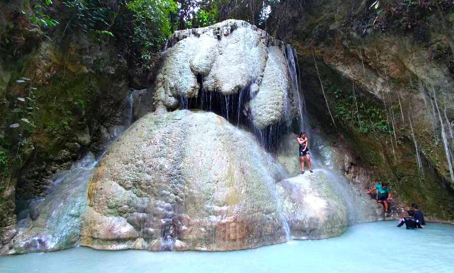 aguinid-falls