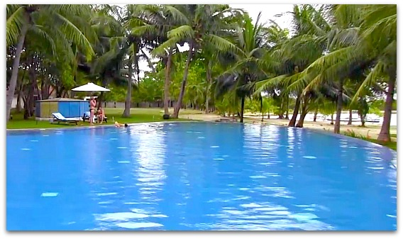 Cordova Reef Village Resort has a fantastic pool great for swimming and exploration.