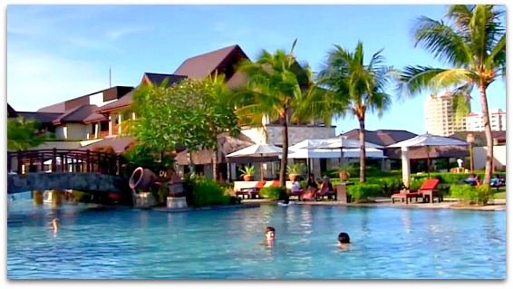 At Crimson Hotel Beach Resort you can have various choices of pools to enjoy with.