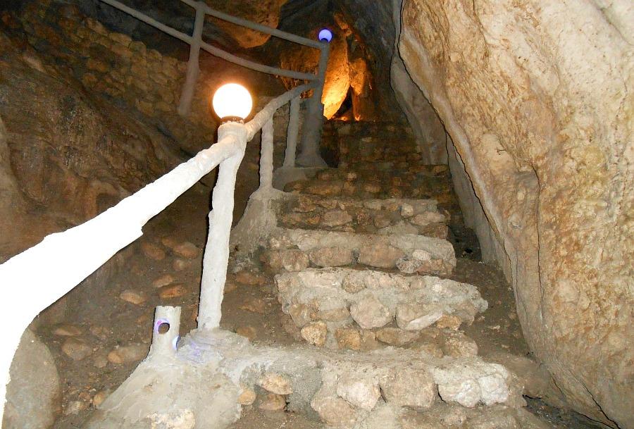 dakong-bato-beach-resort-cave