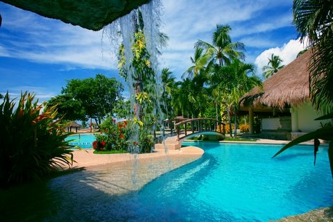 Beaches in Cebu. Pools and beaches in Cebu are especially made to satisfy their visitors needs for a perfect holiday on this tropical island.