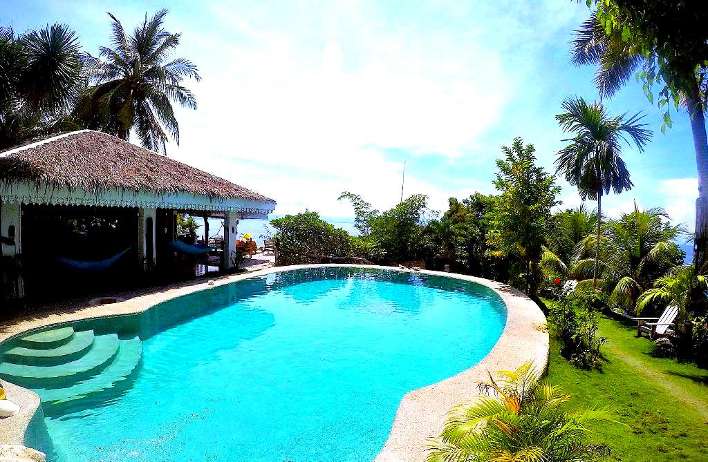 fantasy-lodge-cebu-swimming-pool