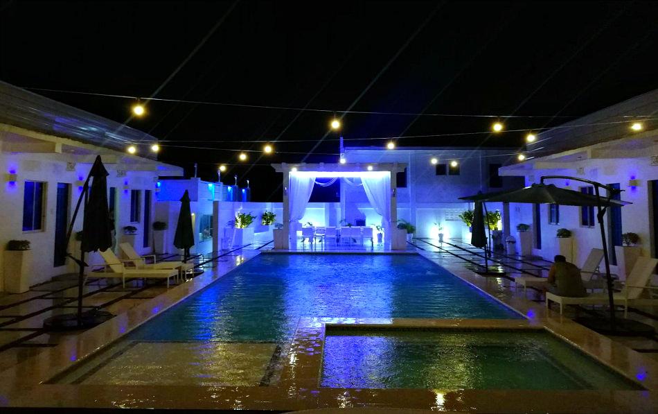 issas-haven-swimmingpool