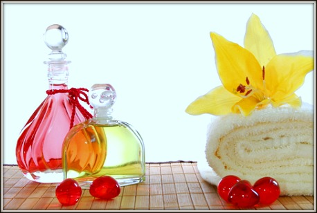 Massage and spa oil and ingredients