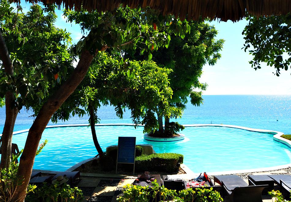 sumilon-island-pool