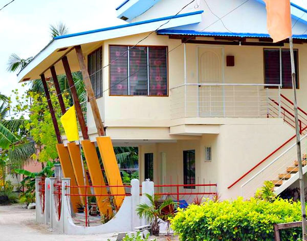 Sunday Flower Hotel's apartment on Bantayan Island