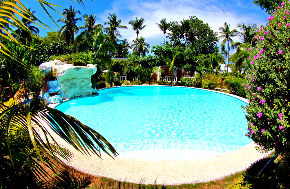 dive-point-alcoy-resort-pool