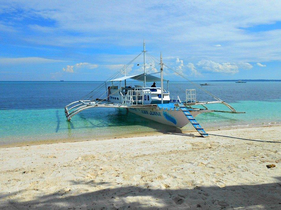 malapascua-outrigger-boat