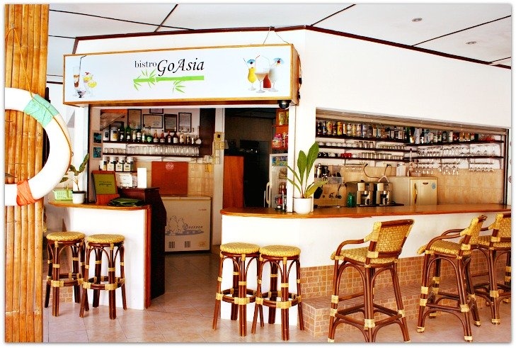 Marcosas Cottages Resort bar in Panagsama Beach Resort, Badiot, Moalboal, Cebu, Philippines