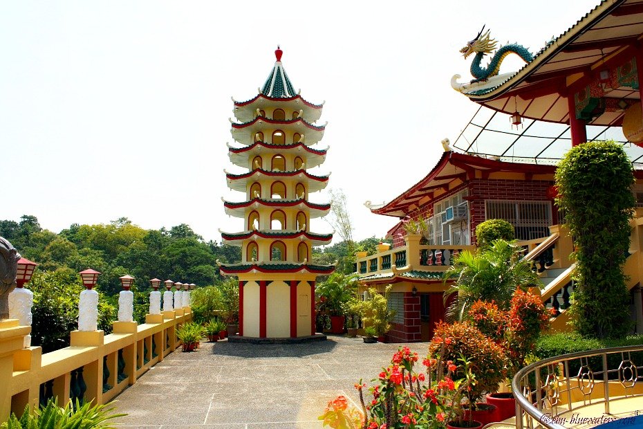 cebu-taoist-temple-stupa
