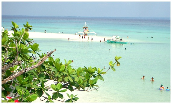 Yooneek Beach Resort is located in Santa Fe, Bantayan Island, Cebu Province, Philippines. It is established on a white beach of this tropical Bantayan island, a popular destination for holiday-makers both local and foreigners alike. It is best for island hopping, snorkeling, beach parties, swimming, sunbathing, among other water activities that every guests would enjoy in this tropical island.